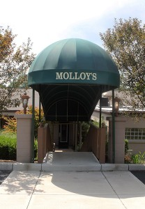 Molloys-entrance